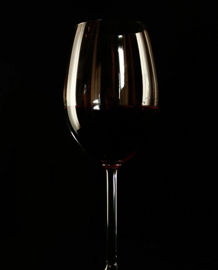 wine-1352711-scaled_1440x1786_bijgeknipt